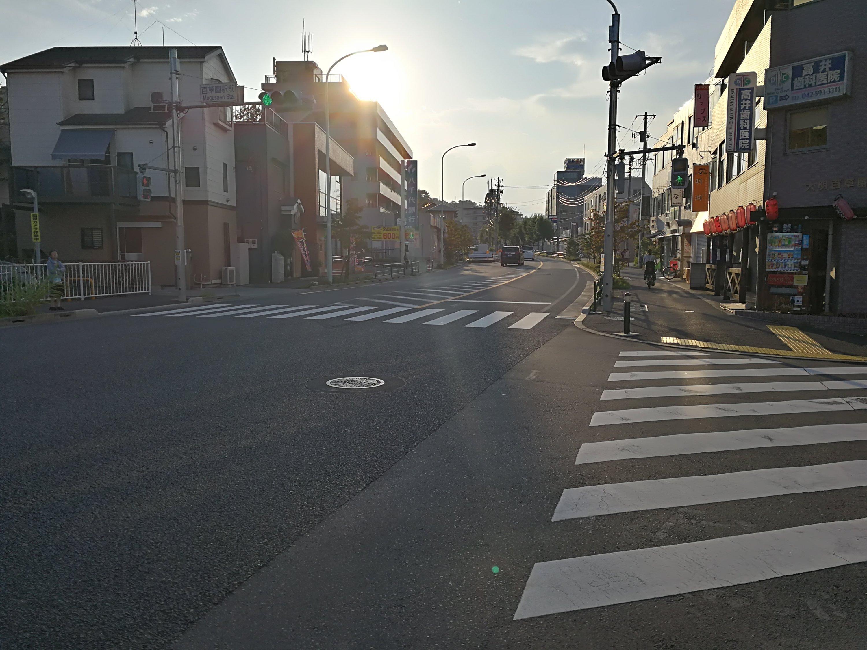 川崎街道高幡不動駅方面