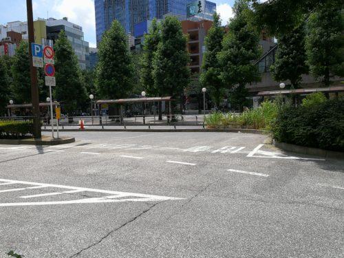 タクシー乗り場進入路