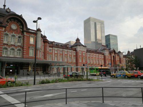 東京駅丸の内口のタクシープールと乗り場